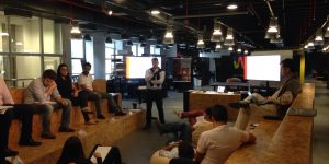 Empreendedores de startups aceleradas pela Wayra tem coaching com Fábio Prandi